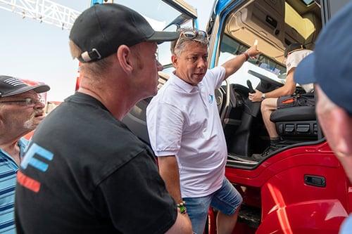 afbeelding-blog-werken-bij-iveco-13-veekro-bedrijfswagens-duncan-kavelar-1