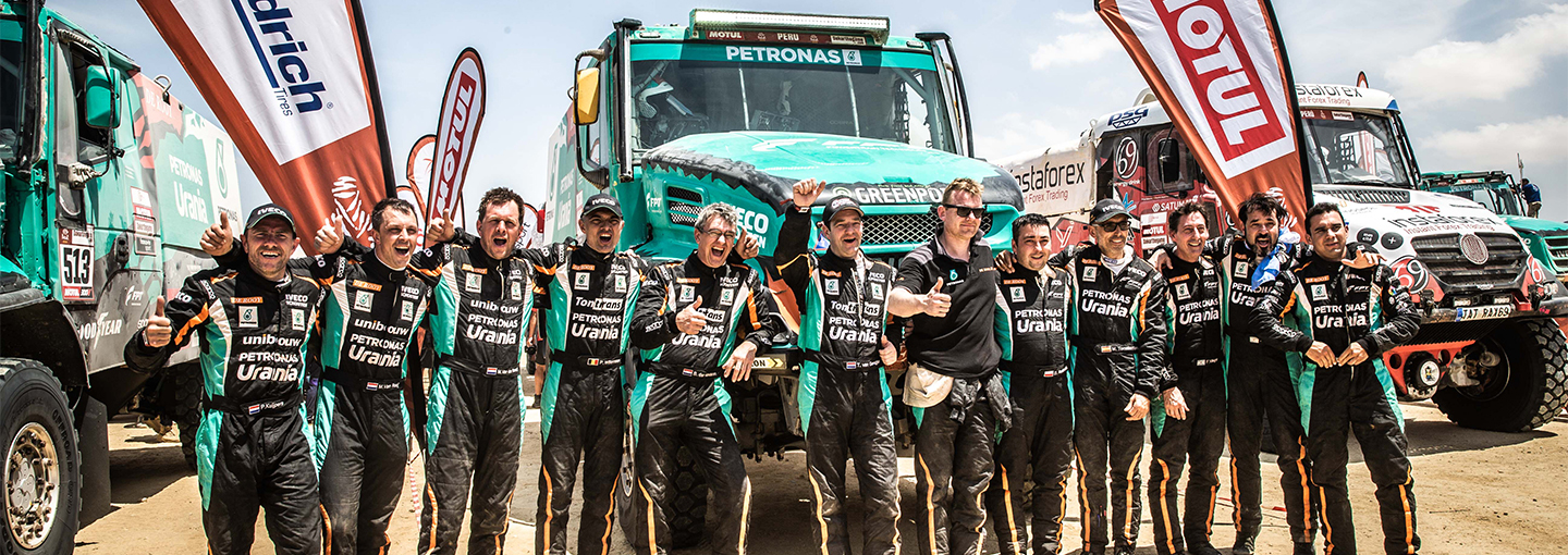 dakar_etappe10_team_de_rooy_finish