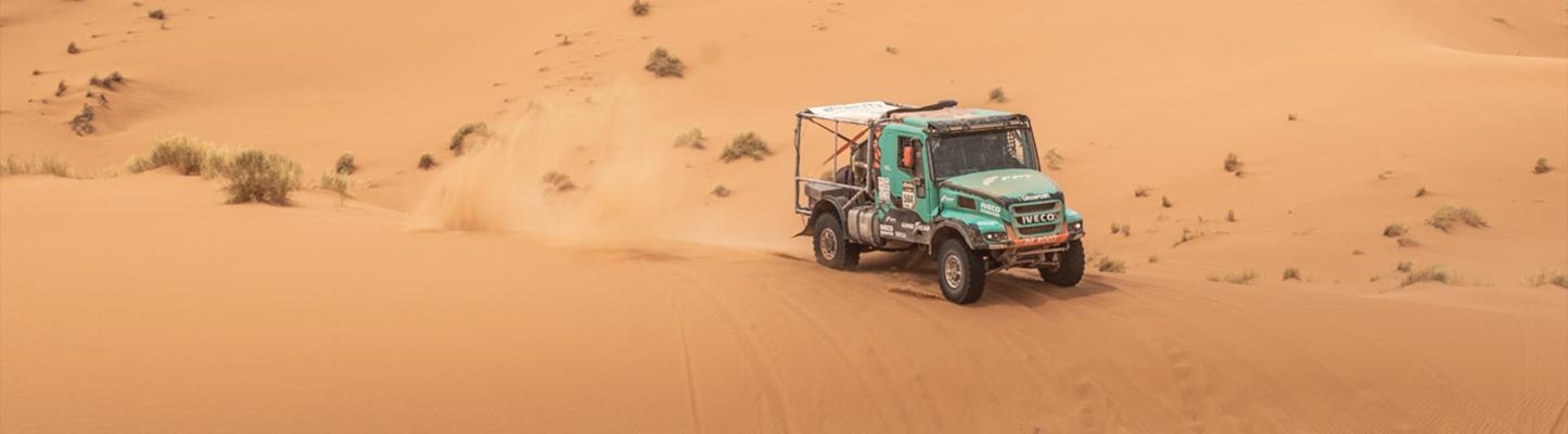 Morocco Desert Challenge: Van Genugten revancheert zich met tweede dagzege in MDC